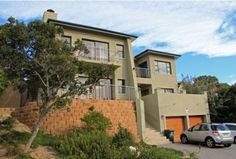 Spacious multi-storey home offering free flowing open plan living. Includes 3 en-suite bedrooms. Mountain views and private beach access. Price inclusive of VAT.