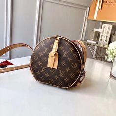 36468ce593 174 张 Louis Vuitton Women's 图板中的最佳图片   Couture bags ...