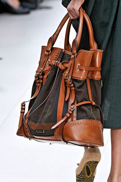 Oh my goodness this bag is gorgeous! The perfect diaper bag! I will have to have this !$182.60 #Burberry #Bags