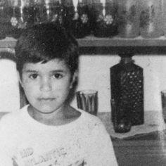 Imberbe #infancia #fotografia #photography #criança #pretoebranco #recordações #casademae #bom #garoto #timidez #sorriso #1989 by _kleriston_