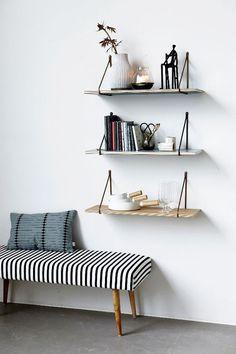 DIY Shelves Ideas : idée-déco-couloir-entrée-banquette
