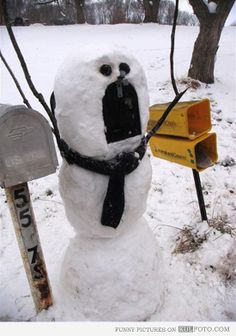 Snowman mailbox. Lol reminds me of Calvin and Hobbes.