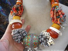 Moroccan Tribal Beads vintage natural coral por MorningDoveDesign