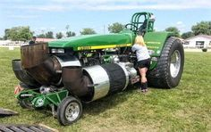 31 Odd Tractors You Don't See Everyday - Page 26 of 29 - Mentertained