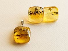 Genuine amber jewelry set combined of lemon and green colors flat cube pendant and stud earrings. A perfect set for daily wear since its minimal, clean, and subtle. Dont waste your time searching for a perfect jewelry set cause you already found it! MATERIALS AND SIZE: Stone: 100% Natural Baltic Etsy Earrings, Drop Earrings, Golden Logo, Summer Set, Business Card Size, Amber Jewelry, Moscow Mule Mugs, Daily Wear, Happy Shopping