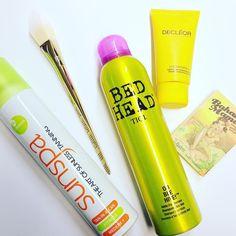 Noen påskefavoritter #iglowno #makeup #sminke #beauty #hair #tigi #sunspa #realtechniques #thebalm #decleor #easter #fave