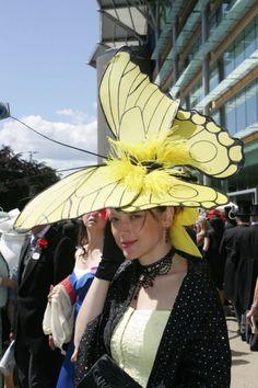 Sombreros Fascinator, Fascinator Hats, Fascinators, Crazy Hat Day, Crazy Hats, Funky Hats, Red Hats, Caroline Reboux, Silly Hats