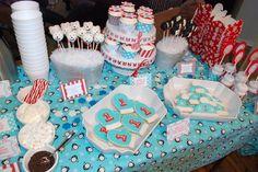 I'm loarng the polarbear and penguin cake pops