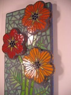 The properties if this piece makes it worth the attention. Poppies in Blue - Ruth Tyszka Mosaic Vase, Mosaic Tiles, Tiling, Mosaic Crafts, Mosaic Projects, Mosaic Designs, Mosaic Patterns, Fused Glass, Stained Glass