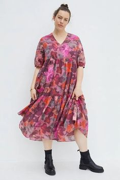 Pink Plus Size Cotton Puffed Sleeves V-neck Tiered Maxi Dress for Women. Plus Size Pink Floral Tiered Boho Maxi Dress Women's. Love this pink floral bohemian style maxi dress short sleeve #Fashion #Style #PlusSizeFashion #PlusSizeStyle #CurvyGirl #curvy #curvyfashionista