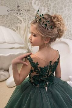 Flower Girl Dresses Jewel Neck Lace Sleeveless With Train Princess Silhouette Lace Formal Kids Pageant Dresses Green Flower Girl Dresses, Girls Dresses, Flower Girls, Gowns For Girls, The Dress, Baby Dress, Birthday Dresses, Birthday Girl Dress, Green Lace