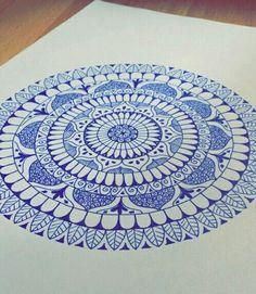 Mandala Art Lesson, Mandala Drawing, Mandala Dots, Mandala Design, Brush Pen Art, Magic Circle, Beautiful Drawings, Dot Painting, Artist Art