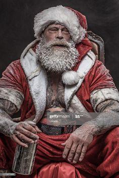 Naughty Santa, Bad Santa, Dark Christmas, Christmas Humor, Santa Christmas, Santa Claus Photography, Blood Elf, Christmas Portraits, Body Reference Drawing