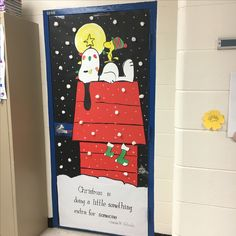 DIY Interesting Christmas Door Decorations Easy to Make – How to make the atmosphere stand out in the decoration of Christmas, there is no doubt that it is a place of decoration, there is a good choice: the door. Christmas Door Decorating Contest, School Door Decorations, Office Christmas Decorations, Christmas Themes, Christmas Crafts, Charlie Brown Christmas Decorations, Christmas Classroom Door, Christmas Bulletin Boards, Holiday Classrooms