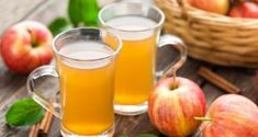 Apple Cider Vinegar Detox drinks can help flush toxins and increase weight loss. Try these 15 Apple Cider Vinegar Detox Drink Recipes and feel great! Apple Cider Vinegar Remedies, Apple Cider Vinegar Pills, Apple Vinegar, Apple Cider Vinegar Challenge, Vinegar Detox Drink, Bolet, Back Acne Treatment, Mai Tai, Detox Tea