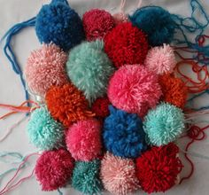 Little Treasures: Pom-Pom Pillow DIY