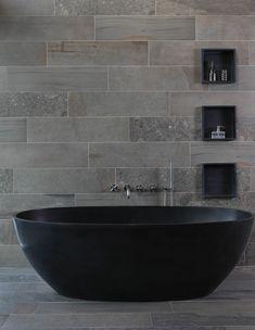Zwart bad by Luca Sanitair Dark Bathrooms, Dream Bathrooms, Beautiful Bathrooms, Luxury Bathrooms, Modern Bathroom Decor, Bathroom Wall, Bathroom Ideas, Washroom Design, Black Bath