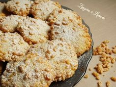 biscotti con il riso soffiato Krispie Treats, Rice Krispies, Muffins, Italian Cookies, Sweet Recipes, Banana Bread, Biscuits, Food And Drink, Desserts