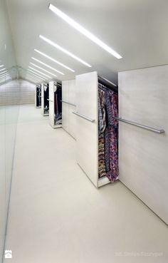 garderoba - szafy w skosie dachu - zdjęcie od Metropolis2 - Garderoba - Metropolis2