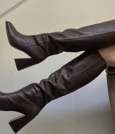 Dr Shoes, Me Too Shoes, Shoes Sneakers, Shoes Heels, Aesthetic Shoes, Brown Aesthetic, Pretty Shoes, Cute Shoes, Mode Dope