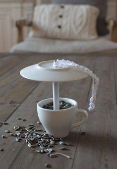 Tee lintulauta kahvikupista ja asetista.   Unelmien Talo&Koti Kuva Anne Nieminen Toimittaja Anne Nieminen