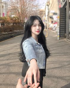 Darling hold my hand Uzzlang Girl, Girl Face, Pretty Korean Girls, Cute Korean Girl, Korean Beauty, Asian Beauty, Korean Girl Photo, Ulzzang Korean Girl, Asia Girl
