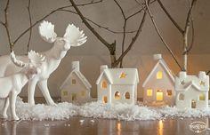 Natale TonoSUTono | Villaggio illuminato con renna - in porcellana