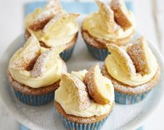 Lemon Curd Butterfly Buns from James Martin's United Cakes of lemon curd recipe james martin<br /> Lemon Curd Recipe, Lemon Recipes, Sweet Recipes, Yummy Recipes, Yummy Treats, Sweet Treats, Yummy Food, Cupcake Recipes, Cupcake Cakes