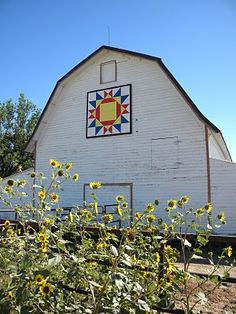 Colorado quilt barn - such a summery quilt pattern