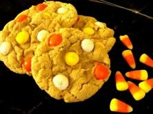White Chocolate Candy Corn M&M Cookies #Holiday #Halloween #Delicious