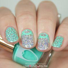 Floss Gloss Dimepiece Nail Polish. Beautiful nail art by Wondrously Polished.