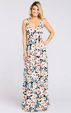 Looking for a fun, flirty, festive & feminine look for your bridesmaids? Check out Show Me Your Mumu's picture-perfect floral print bridesmaid dresses in long & short lengths to add a burst of cute color to your bridal party. Bridesmaid Dresses Floral Print, Bohemian Bridesmaid, Bridal Dresses, Mumu Wedding, Wedding Guest Gowns, Bohemian Style, Magnolia, Steel, Couture