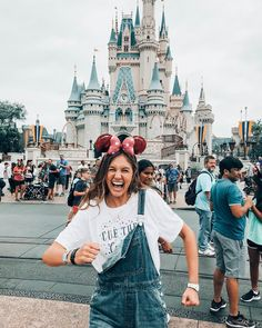 catch me dancing (not very well) Disneyland Trip, Disney Vacations, Disney Trips, Cute Disney Pictures, Disney World Pictures, Cute Disney Outfits, Cute Outfits, Skater Outfits, Emo Outfits