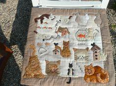Panneau décoratif en patchwork : les chats 63/63 cm tons beiges