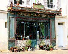 Les fleurs de la boucherie                                                                                                                                                                                 Plus Montmartre Paris, Fresh Market, Butcher Shop, Shop Fronts, Antique Stores, Boutique Shop, Vintage Shops, Art Nouveau, Around The Worlds