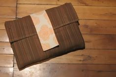 Click to see this simple sewing project. Make a laptop cover or a personalised ipad/tablet case.