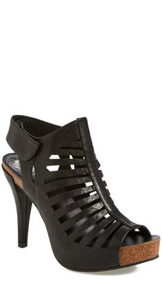 Gorgeous black platform sandals - perfect with jeans, skirt, anything!