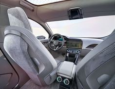 재규어, 첫번째 전기차 공개 - 제품으로 보는 세상의 안테나, 펀테나