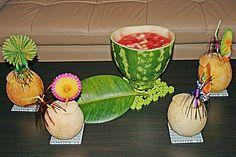 Melonenbowle, ein raffiniertes Rezept aus der Kategorie Bowle. Bewertungen: 19. Durchschnitt: Ø 4,4.