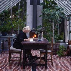Zetas grundare Victoria Skoglund skulle bygga ett växthus