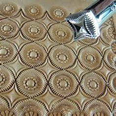 Resultados de la búsqueda de imágenes: Geometric Leather Tooling - Yahoo Search