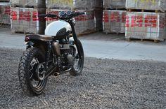 Triumph Bonneville Brat Style by Vida Bandida Motocicletas