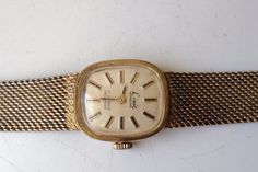 AUCTIONS ENDING ON WEDNESDAY 21 JUNE FROM 8pm NEW AUCTIONS STARTING FROM 8pm..........LADIES VINTAGE LIMIT INTERNATIONAL 17 JEWELS MANUAL WIND WORKING SWISS WATCH
