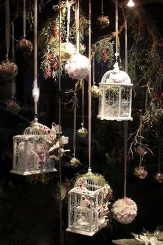 Dark & Moody Wedding Aesthetic Inspiration For All Seasons Winter tale vintage woodland wedding deco Florist Window Display, Spring Window Display, Store Window Displays, Retail Displays, Christmas Window Display Retail, Merchandising Displays, Booth Displays, Decoration Shabby, Decoration Vitrine
