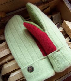 How to make mittens from a sweater. These mittens are lined with fleece and made from recycled or upcycled wool sweaters. The warmest mittens you'll ever own!