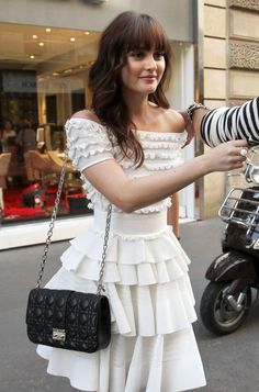 Find images and videos about fashion, style and gossip girl on We Heart It - the app to get lost in what you love. Estilo Blair Waldorf, Blair Waldorf Outfits, Blair Waldorf Gossip Girl, Blair Waldorf Style, Gossip Girl Outfits, Gossip Girl Fashion, Look Fashion, Fashion Outfits, Womens Fashion