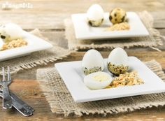 Quail eggs with salt spiced nuts (in Spanish) Tapas, Appetizer Recipes, Appetizers, Spiced Nuts, Quail Eggs, Food Inspiration, Buffet, Food Photography, Cheese
