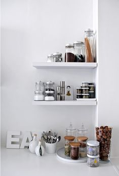 Kitchen shelves: Dora iz Londona