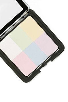 This amazing all over color correcting powder brightens and evens out your skin tone, leaving you with a seriously flawless finish! ==