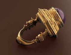 Large gold ring with amethyst, Hellenistic ca. 2nd century B.C.
